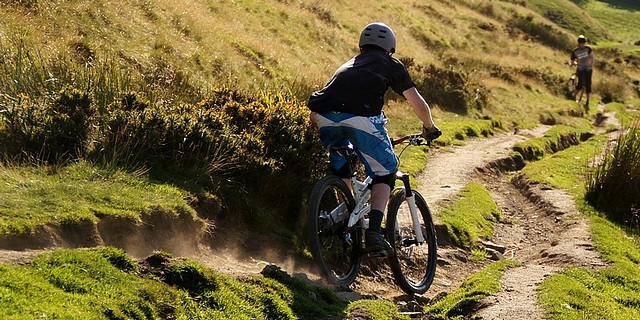 [08445 Hollins Cross - Greenlands bridleway, Mountain Biking, Peak District]